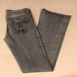 New GUESS Women's McKensy Flare Leg Jeans sz 27